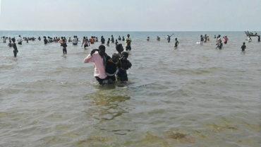 Se hunde barco en Uganda con equipo de futbol abordo