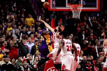 Lakers derrota en un partidazo a Bulls