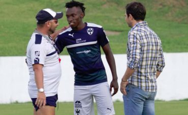 OFICIAL:  Alberth Elis se despidió del equipo Monterrey de México