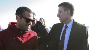 """Alves: """"Los directivos del Barça fueron falsos conmigo"""""""