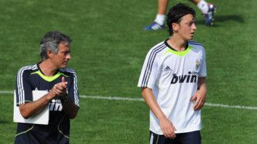 Mesut Özil relató lo cerca que estuvo de golpear a Mourinho