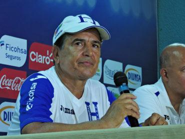 """Pinto: """"Sentimos vergüenza y pena, pero a Costa Rica lo tenemos que vencer como sea"""""""