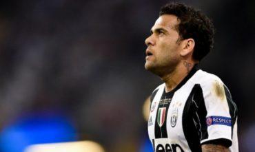 El brasileño, Dani Alves se va de Juventus