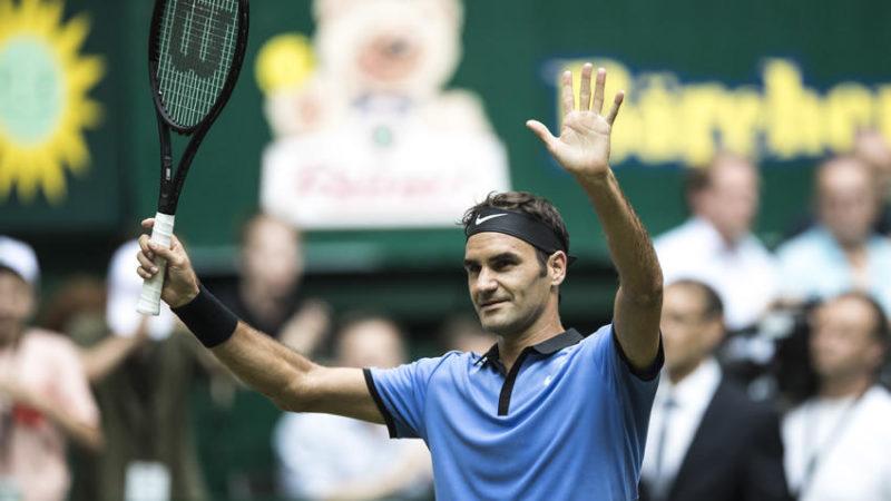 Roger Federer llegó a 1,100 victorias y avanzó en Halle