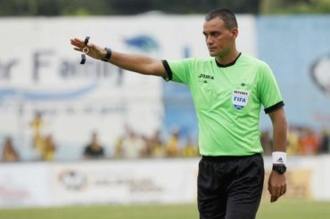 Siete árbitros hondureños aparecen en lista para dirigir en la Copa Oro