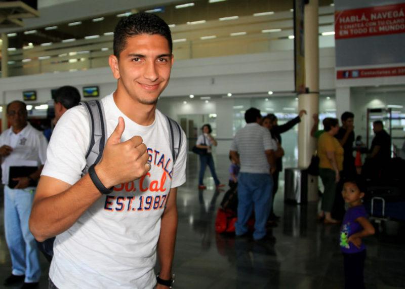 El defensa, Johnny Leverón definirá su futuro esta semana si jugará con Olimpia o Marathón