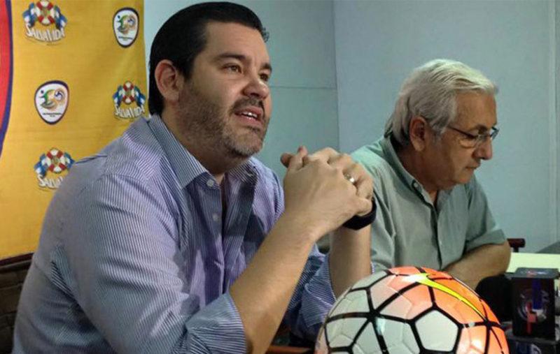 La Liga Nacional le harán una propuesta de aumento de sueldo a los árbitros