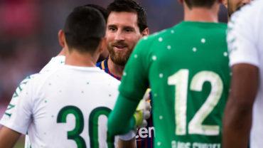 Messi intercambió playera con sobreviviente del Chapecoense
