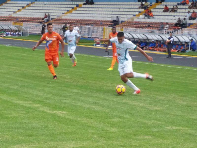 En un buen partido de fútbol, El Platense saco un punto de visita ante la UPNFM