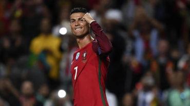 Cristiano comanda goleada de Portugal y acecha más récords