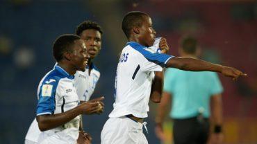 """La """"H"""" Sub-17 golea a Nueva Caledonia y se mantiene viva en el Mundial de India"""