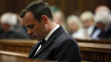 Familia de víctima de Pistorius, 'horrorizada' por filme sobre asesinato