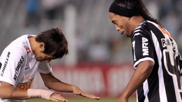 "Neymar: ""Ronaldinho deja un legado difícil de superar"""