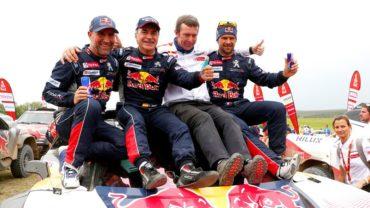 A sus 55 años, Carlos Sainz es campeón del Rally Dakar