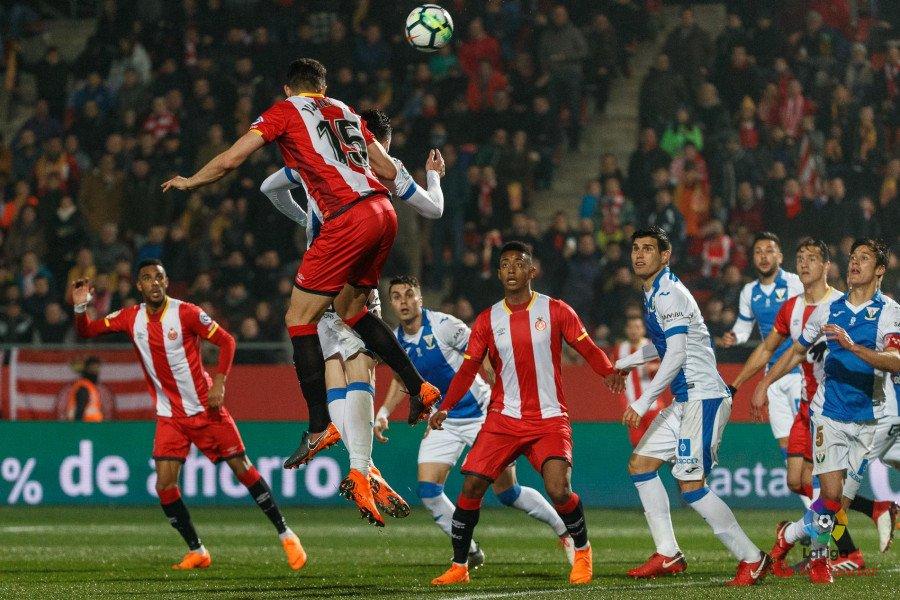 """El """"Choco"""" Lozano se enfrentara con el Girona al Barcelona en la próxima jornada"""