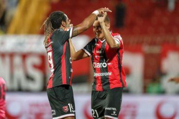 Roger Rojas sigue anotando goles con el Alajuela en Costa Rica