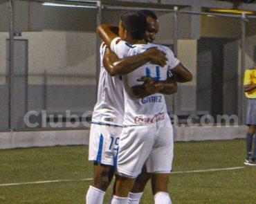 Olimpia vence (2-4) al Árabe Unido de Panamá y quedo muy cerca de las semis en la Copa Premier