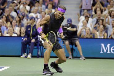 ¡Increible! El punto mágico de Rafa Nadal en el US Open con Tiger Woods como espectador (VÍDEO)