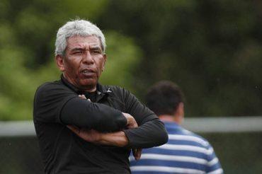 Héctor Castellón afirma que la falta de experiencia les perjudica en los partidos