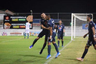 Motagua vence a Platense (2-3) y sueña aún con las vueltas regulares